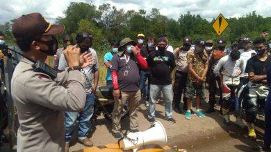 Photo of Langgar Prokes, Polisi Bubarkan Kejuaraan Balap Motor di Dompak