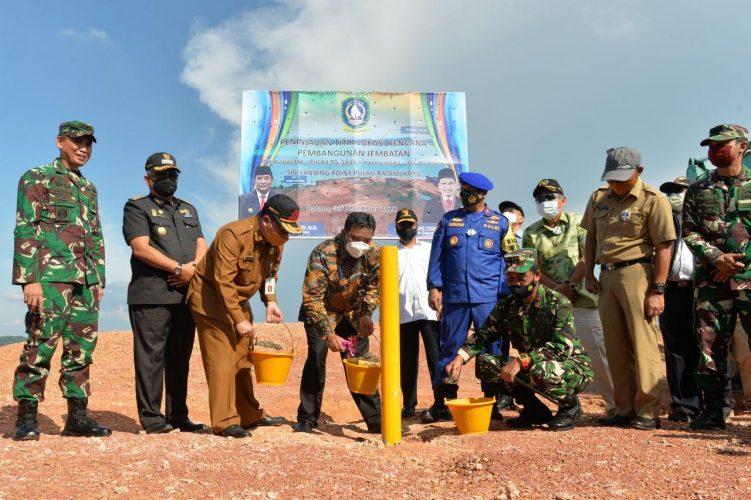 Pemancangan Titik Awal Pembangunan Jembatan Batam-Bintan