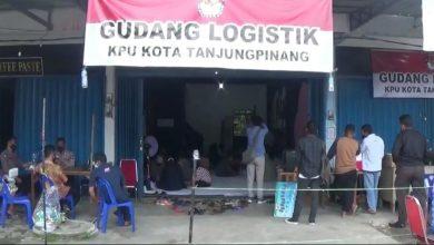 Photo of Jelang Pilkada, KPU Tanjungpinang Siapkan Distribusi Logistik ke PPS