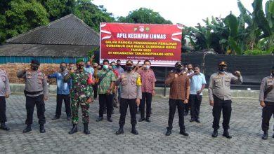 Photo of Dukung Pengamanan Pilkada, Polsek Tanjungpinang Kota Gelar Apel Kesiapan Linmas