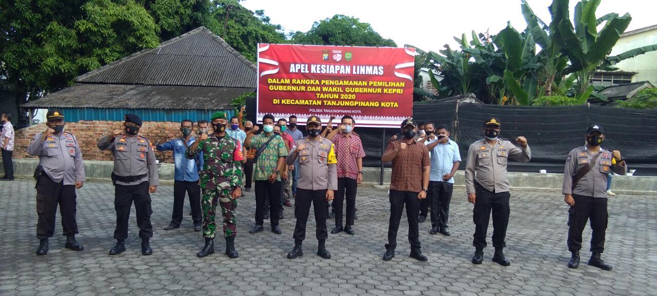 Dukung Pengamanan Pilkada, Polsek Tanjungpinang Kota Gelar Apel Kesiapan Linmas